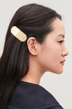 COS | Oval-shaped hair clip