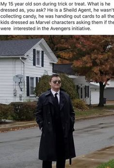 A great collection of memes for the month of September Avengers Humor, Funny Marvel Memes, Dc Memes, Marvel Jokes, Marvel Avengers, Marvel Comics, Funny Memes, Hilarious, Cartoon Memes
