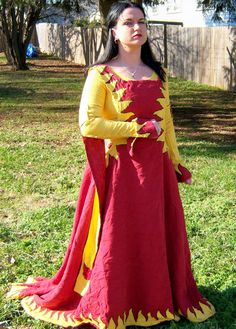 Interesting use of heraldry in gown design.    SCA garb of Lynnette Semere