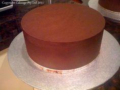 Upside Down Ganaching Method for a round cake - by Cakeage @ CakesDecor.com - cake decorating website