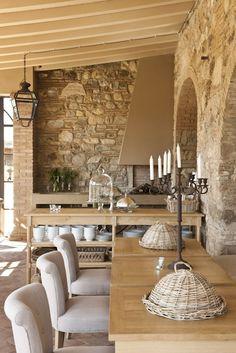 Rustic Italian Home – La Bella Vita Design Toscano, Italian Living Room, Italian Home, Tuscan House, Mediterranean Home Decor, Tuscan Decorating, Decorating Ideas, Decor Ideas, Tuscan Style
