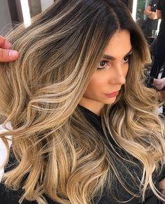 Dark Hair Whis Highlights 2018 - Hairstyles For All Balayage Hair Blonde, Brown Blonde Hair, Bayalage, Cheveux Ombré Hair, Baliage Hair, Hair Color 2018, Pretty Hair Color, Fall Hair, Hair Looks