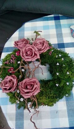 Pin by Heidi Nehmeyer on Grab Herbst Grave Flowers, Cemetery Flowers, Funeral Flowers, Christmas Flowers, Christmas Wreaths, Christmas Decorations, Floral Bouquets, Floral Wreath, Blossoms Florist