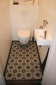 Impress Your Visitors with These 14 Cute Half-Bathroom Styles Attic Bathroom, Bathroom Floor Tiles, Bathroom Toilets, Bathroom Colors, Small Bathroom Storage, Bathroom Styling, Small Toilet Room, Diy Home Decor For Apartments, Downstairs Toilet