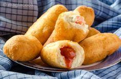 Τυροπιτάκια με φύλλο κρούστας | magiacook Hot Dog Buns, Hot Dogs, Sweet Potato, Food And Drink, Bread, Vegetables, Breakfast, Ethnic Recipes, Chef Recipes