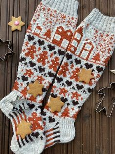Knit Mittens, Knitting Socks, Sock Shoes, Christmas Stockings, Cross Stitch, Holiday Decor, Hats, Pattern, Diy