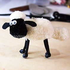 Pom Pom Tutorial – Shaun The Sheep