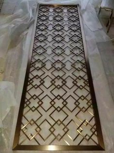 ideas metal screen design spaces for 2019 Decorative Metal Screen, Grill Door Design, Grill Design, Jaali Design, Metal Doors Design, Metal Decor, Window Grill Design, Screen Design, Metal Grill