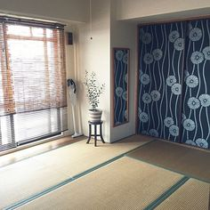 Tatami Room, Ceiling Painting, Bohemian Interior Design, Second Empire, Japanese Design, Japanese Style, Japanese House, Painted Doors, Room Interior