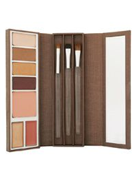 Stila goes regal with Winter Palace collection - 25/11/05 | TheMoodieReport.com