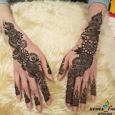 Restez toujours à la mode avec le henné parfait d'Atiyah #hennè #hennatattoo #henna #hennadesign #hennaart #hennaartist #hennaparis #love #artistsoninstagram#tattoo #hennatattoo #tatouage #hennaartists #hennainapire #hennebougie #hennacandleset#paris #france#hudabeauty #shophudabeauty#instagood#huda#artist #instapic #instafashion#girls#parisfashion #maccosmetics #makeup#india#inspiredby#paris #hennaparis