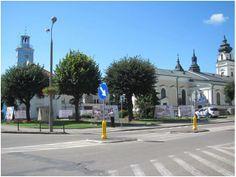 W czasach dzisiejszych na placu obok mławskiego ratusza dumnie pręży się na pomniku św. Wojciech, patron miasta.