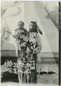 United Church of Canada Archives - Digital Collections | [Stoney Indians : father and son]