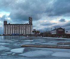 A better shot of the Collingwood Terminals Limited silos   #shotoncanon #5dmarkii #collingwood #ontario #morning #winter #water #building #ice #sunrise #industrial #clouds #shore #shoreline #ontarioyourstodiscover #tourism #silos