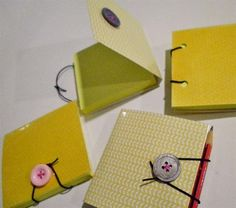 DIY sticky note pad cover: a durable reusable cover with built-in pen holder and elastic closure.