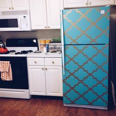 I try to make my fridge more interesting by putting removable wallpaper on it. There aren't many how to step my step info on how to do it, but I give my tips on what to expect with wallpapering a refrigerator. Great idea for renters. Vinyl Wallpaper, Temporary Wallpaper, Wallpaper Ideas, House Color Schemes, House Colors, Apartment Therapy, Apartment Ideas, Kitchen Cabinets And Countertops, Kitchen Paint Colors