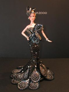 Barbie, of Mario Paglino and Gianni Grossi Barbie Gowns, Barbie Dress, Barbie Clothes, Barbie Doll, Fashion Dolls, Fashion Dresses, Barbie Celebrity, Creation Couture, Little Doll