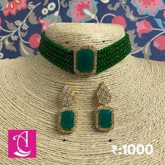 Indian Jewelry Earrings, Indian Jewelry Sets, Jewelry Design Earrings, Gold Earrings Designs, Beaded Jewelry Designs, Indian Wedding Jewelry, Emerald Jewelry, Fashion Jewelry Necklaces, Pakistani Jewelry