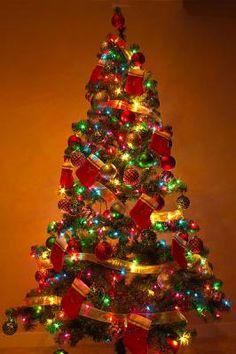 Sapin de #Noël coloré mais très joli. #deco