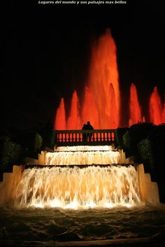 Fuente Magica de Montjuit ( iluminada ) - Barcelona