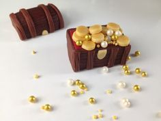 Bake Happy: How to Make Fondant Treasure Chest Cupcake Topper