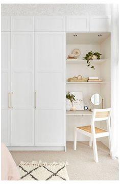 Built In Cupboards Bedroom, Bedroom Built In Wardrobe, Bedroom Built Ins, White Cupboards, Bedroom Cupboard Designs, Bedroom Closet Design, Room Ideas Bedroom, Home Room Design, Closet Designs