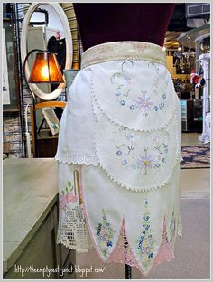 COUTURE APRONS