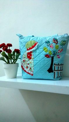 Tote bags with applique..