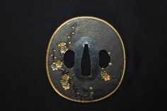 This beautiful Nanako are on the surface and this tsuba could be the gift for higher lord called Kenjo Tsuba The gold Hukurin work very well in order to make this tsuba more beauty