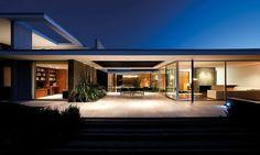 Construido por 57STUDIO en Colina, Chile Se encarga una vivienda unifamiliar en un parque residencial al norte de Santiago. Sitios que bordean los 5000 m2 y r...