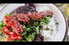 Black beans with coriander - Recipes - Eat Well with Bite Dried Black Beans, Dried Beans, Black Turtle Beans, Whole Food Recipes, Cooking Recipes, Vegetarian Recipes, Healthy Recipes, Hot Salsa, Cooking Black Beans