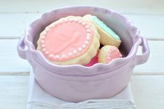 How to frost sugar cookies the easy way, plus a cookie recipe and an icing recipe!