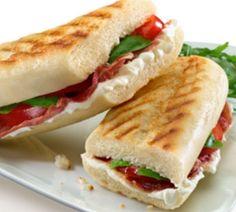 Panini met Italiaanse ham en tomaat - Recept - Jumbo Supermarkten