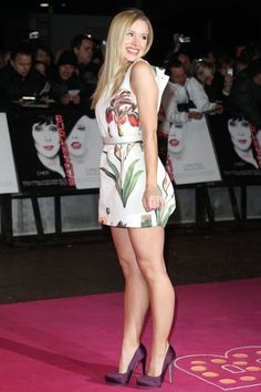 Kristen Bell: black pumps and great legs Perfect Legs, Great Legs, Nice Legs, Kristen Bell, Beautiful Celebrities, Beautiful Actresses, Women Legs, Sexy Women, Sexy Legs And Heels