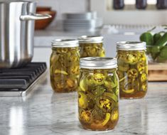 Ball Glass Smooth-Sided Regular Mouth Mason Jar with Lid and Band, Clear Pickled Pepper Recipe, Pickled Banana Peppers, Canning Banana Peppers, Stuffed Banana Peppers, Canning Soup, Canning Pickles, Home Canning Recipes, Canning Tips, Canning Vegetables