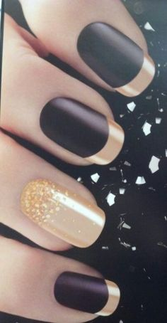 Marble manicure is an amazing nail art, which doesn't require any special skil. Marble manicure is an amazing nail art, which doesn't require any special skil… Source by pepecazi Winter Nail Designs, Winter Nail Art, Winter Nails, Nail Art Designs, Nails Design, Black Nails, Red Nails, Love Nails, Black Manicure