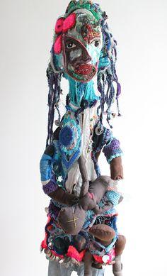 madamedisparue-Mona luison Sculpture Textile, Art Textile, Textile Artists, Soft Sculpture, Art Au Crochet, Knit Art, Textiles, Tricot D'art, Statues