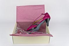 #Piel #color #geranio y #charol #negro para este #peeptoe con plataforma y #tacon bajito #custommade #shoes #madetoorder #womenshoes #zapatos #porencargo #calidad y #diseño #madeinspain www.jorgelarranaga.com/es/home/43-230.html