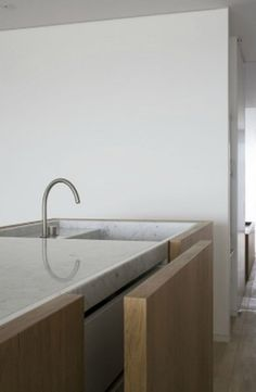 A polished marble sink in the DM Residence by Vincent Van Duysen. Kitchen Taps, Kitchen Pantry, Kitchen And Bath, Timber Kitchen, Kitchen Modern, Kitchen Cupboards, Minimal Kitchen Design, Minimalist Kitchen, Minimalist Design