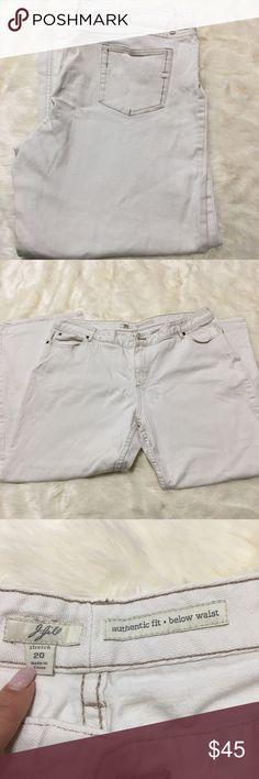 J. Jill white jeans size 20 stretch J. Jill white jeans size 20 stretch. Beautiful, classy J Jill jeans, great for any season. J. Jill Jeans Boot Cut
