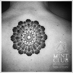 #tattoo #art by @bob_fizz #tats #dots #lines #tattoo #ink #inkart #inked #blackandwhite #ingravidos II
