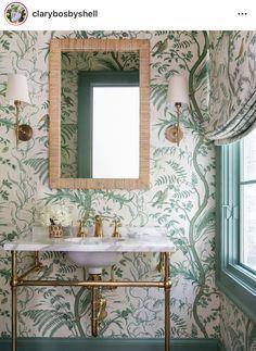 Thistle Wallpaper, Green Wallpaper, Fabric Wallpaper, Pattern Wallpaper, Powder Room Wallpaper, Bathroom Wallpaper With Birds, Bathroom Wallpaper Patterns, Painted Wallpaper, Wallpaper Ideas