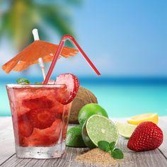 Caipiroska with Vodka, strawberries, sugar and lime. Delicious! Caipiroska con Vodka, fresas, azúcar y limón. Delicioso!