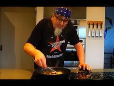"""Tipp #16: Geschnetzeltes - Küchentipps von Stefan Marquard """"genial einfach - einfach anders"""" - YouTube Youtube, Champions, Grandma's Recipes, Chef Recipes, Homemade, Easy Meals, Cooking, Youtubers, Youtube Movies"""