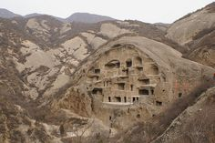 Sometimes called the biggest maze of China, Guyaju is an ancient cave house located about 92 kilometers (57 miles) from Beijing. No precise record of it has ever been found, so no one knows its exact origins. The house was hewn from the craggy cliffs overlooking Zhangshanying Town. The intriguing house complex has more than 110 stone rooms, and is the largest cave dwelling ever discovered in China.