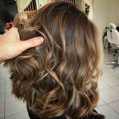 Hair Color Trend The Most Beautiful Caramel Balayage Hairstyles for all types and lengths . - Trend Hair Makeup And Outfit 2019 Dark Blonde Balayage, Balayage Hair, Ombre Hair, Balayage Straight, Straight Hair Highlights, Bayalage, Caramel Hair, Balayage Caramel, Hair Colors