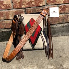 White Small Saddle Blanket Bag by MissyBUpinStitches on Etsy Cheap Purses, Cute Purses, Cheap Handbags, Purses And Handbags, Luxury Handbags, Brown Leather Purses, Brown Purses, Leather Fringe, Leather Handbags