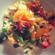 #wildrice #chicken #eggs #spinach #carottes #tomatoes #avocado #cucumber #salad #fresh #art #instagram #fitness Wild Rice, Chicken Eggs, Cucumber Salad, Tomatoes, Risotto, Spinach, Avocado, Salads, Fresh