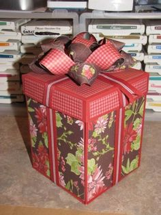 Closed Holiday Treasures Explosion Box (CHECK THIS OUT FOR ANOTHER VARIATION)