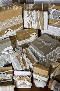 vintage Christmas wrapping ideas! Lace, burlap, ribbon, brown kraft paper, shabby chic (pensacola photographer)